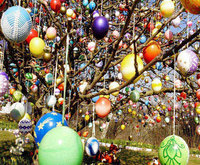 normal_Easter-Eggs-Tree.jpg