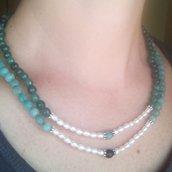 collana due fili di pietre dure verdi e perle barocche