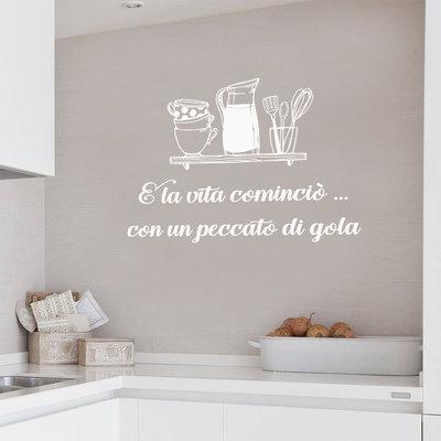 Frase adesiva per cucina con finta mensola