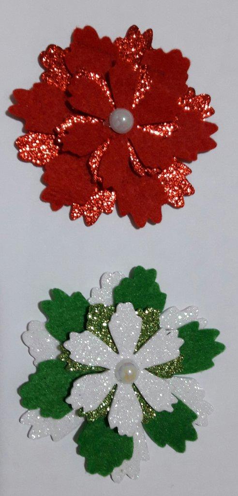 fiori fustellati in feltro