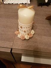 Candela con fiori in pannolenci