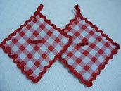 Graziose presine con merletto rosso zig zag ideali come regalo di natale
