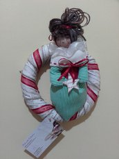 Ghirlanda natalizia con bambolina