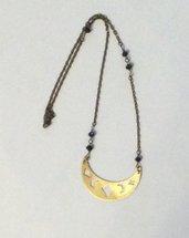 Collana in ottone luna crescente traforata