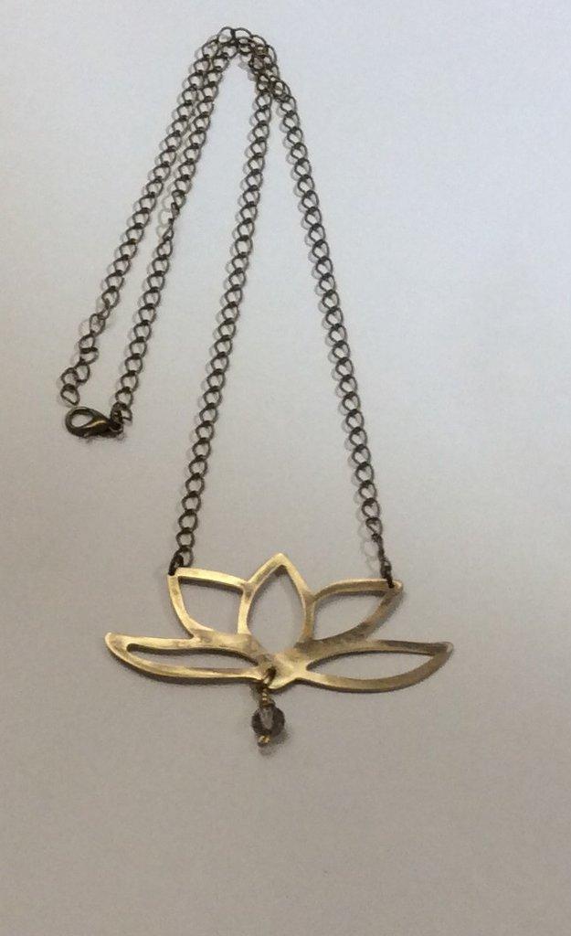 Collana fiore di loto in ottone