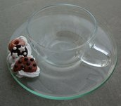 Tazzina in vetro con biscottini finti