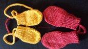 Muffole guantini bambini in lana ai ferri, due paia gialli e rossi