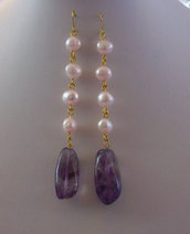 Orecchini pendenti con Perle coltivate e Ametista, 93 mm