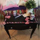 """Black and pink flowers"" - Comodino stile barocco veneziano"
