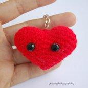 Amigurumi cuore con occhi - portachiavi bomboniere
