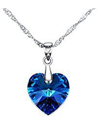 Collana con pendente blu dello zaffiro della pietra preziosa