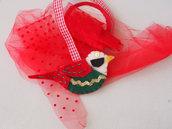 SPILLA/decorazione di natale in FELTRO,Uccellino.Dettagli curati.Feltro rosso,nero,bianco,verde.Passamaneria,ricamo.Accessorio borsa-sciarpa