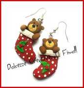 Natale in Dolcezze -  Orecchini Calza della Befana con orsetto di peluche! e agrifoglio - handmade - in fimo e cernit - idea regalo