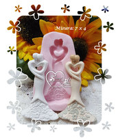 Stampo *Coppia sposi stilizzati con cuore centrale*