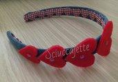 Cerchietto per capelli romantico con cuori rossi