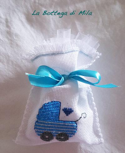 Bomboniera sacchettino confetti battesimo, punto croce, ricamo, bimbo, bimba, regalo, idea, nascita