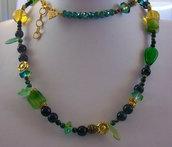 Collana con pietre naturali, cristalli e ottone, 78 cm