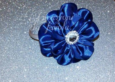 Cerchietto con fiore blu