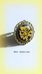 Anello in resina con fiore Queen Anne's lace giallo, handmade, vintage, etnico, boho, idee regalo per lei, regalo compleanno, Natale