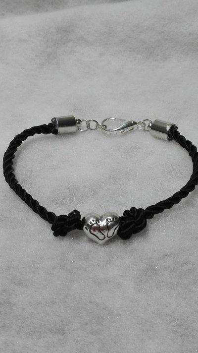 braccialetto con cuore stilizzato