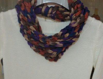 Collana sciarpa  realizzata ad uncinetto