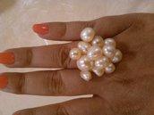Anello con grappolino di perline rosate