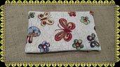cuscino con farro con stoffa gobelin motivo farfalle e fiori