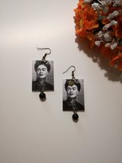 Frida kahlo orecchini di carta pendenti bianco e nero.