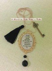 collana con scritta