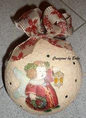 Sfera natalizia con angioletti