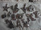 14 Ciondoli Tema Natale tutti diversi in metallo color argento