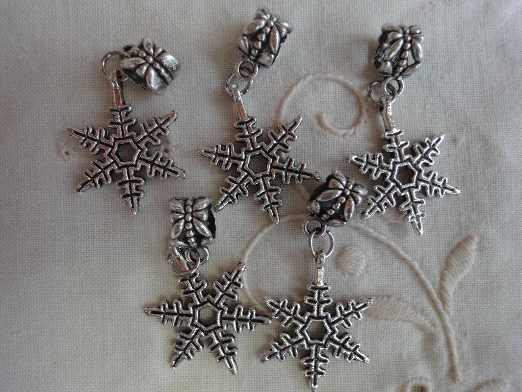 10 Ciondoli PD con Stelle di Natale in Metallo color argento