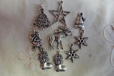9 Ciondoli Tema di Natale in Metallo color argento