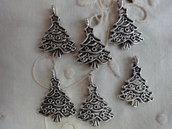 6 Alberi di Natale in Metallo color argento 24x18 mm.
