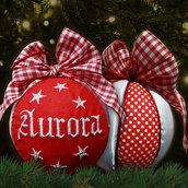Pallina patchwork decorativa decorazione natalizia Natale ricamo nome personalizzato rosso e raso bianco idea regalo