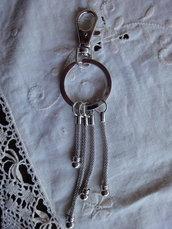 1 Anello Tondo con moschettone con 4 supporti  per perle PD 14,5 cm.