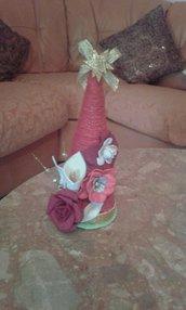 albero di lana con decorazioni in fommy