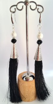 Dangle Earring Black and Silver