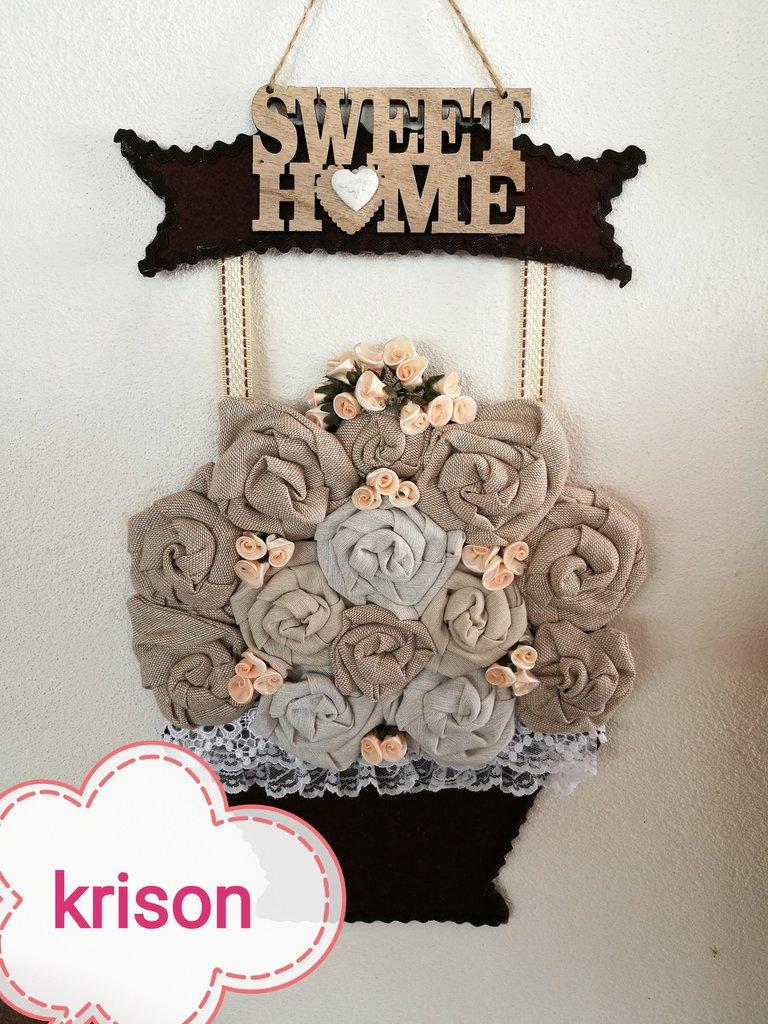 Vaso da parete con rose in tessuto fatto a mano stile rustico,shabby, moderno.