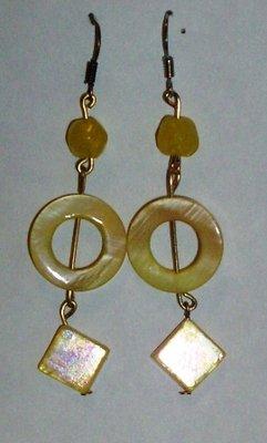 orecchini pendenti gialli
