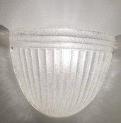 Applique o lampada da muro, in vetro di Murano, color bianco e trasparente