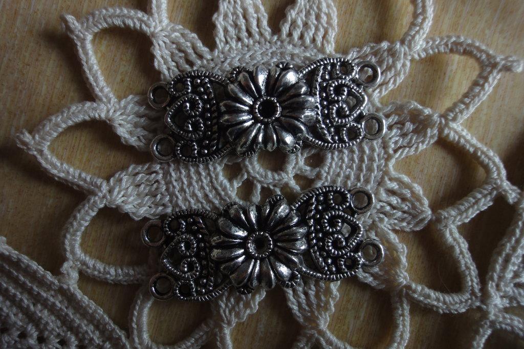 2 Connettori doppio foro 37x14 mm. metallo color argento
