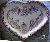 Piatto svuota tasca, porta cioccolatini di ceramica a forma di cuore con sfumature del rosa