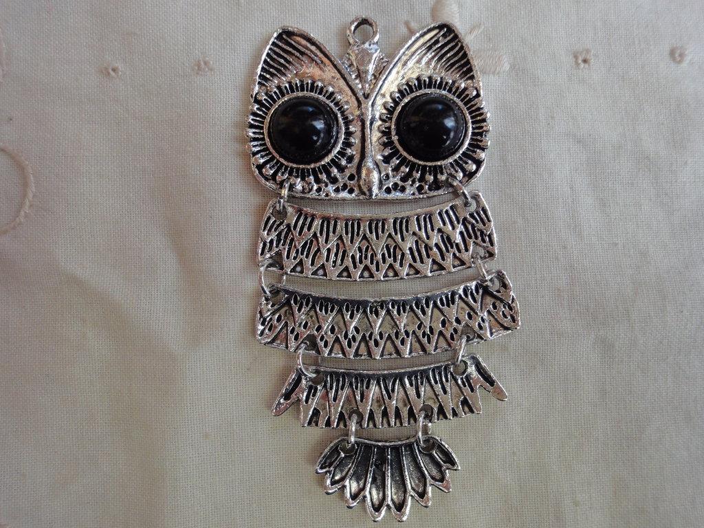 Ciondolo Gufo 8,5x 4,1 cm. in metallo color argento