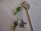 Segnalibro con perle verdi e ciondolo
