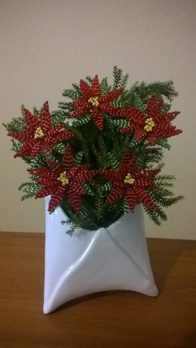 Stella Di Natale Con Perline.Stella Di Natale Di Perline In Busta Di Ceramica