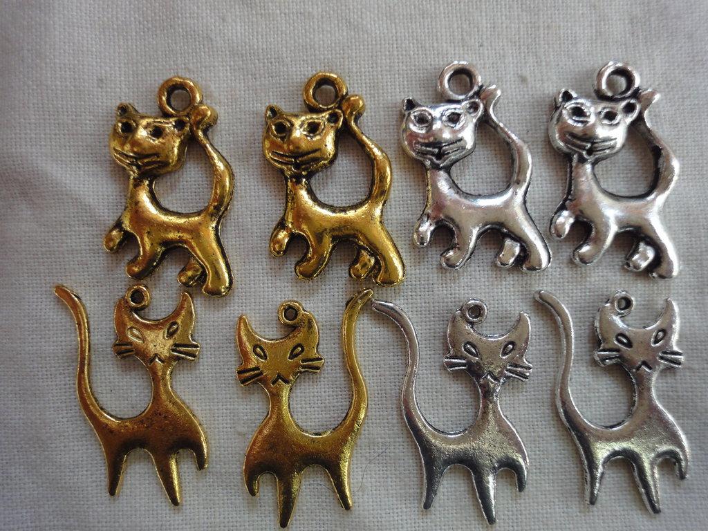 8 Gattini in Metallo 4 color oro e 4 argento di 4 modelli diversi