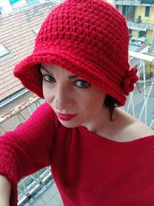 Cappello cloche rosso fatto a mano, cloche ad uncinetto, regalo per Natale
