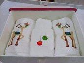 Set salviette ricamate e personalizzate Natalizie con scatola contenitore coordinato.