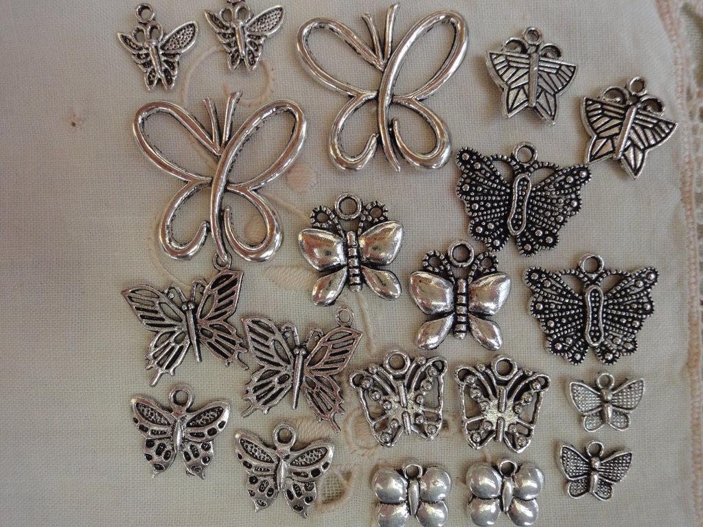 20 Farfalle in Metallo color argento di 10 modelli diversi